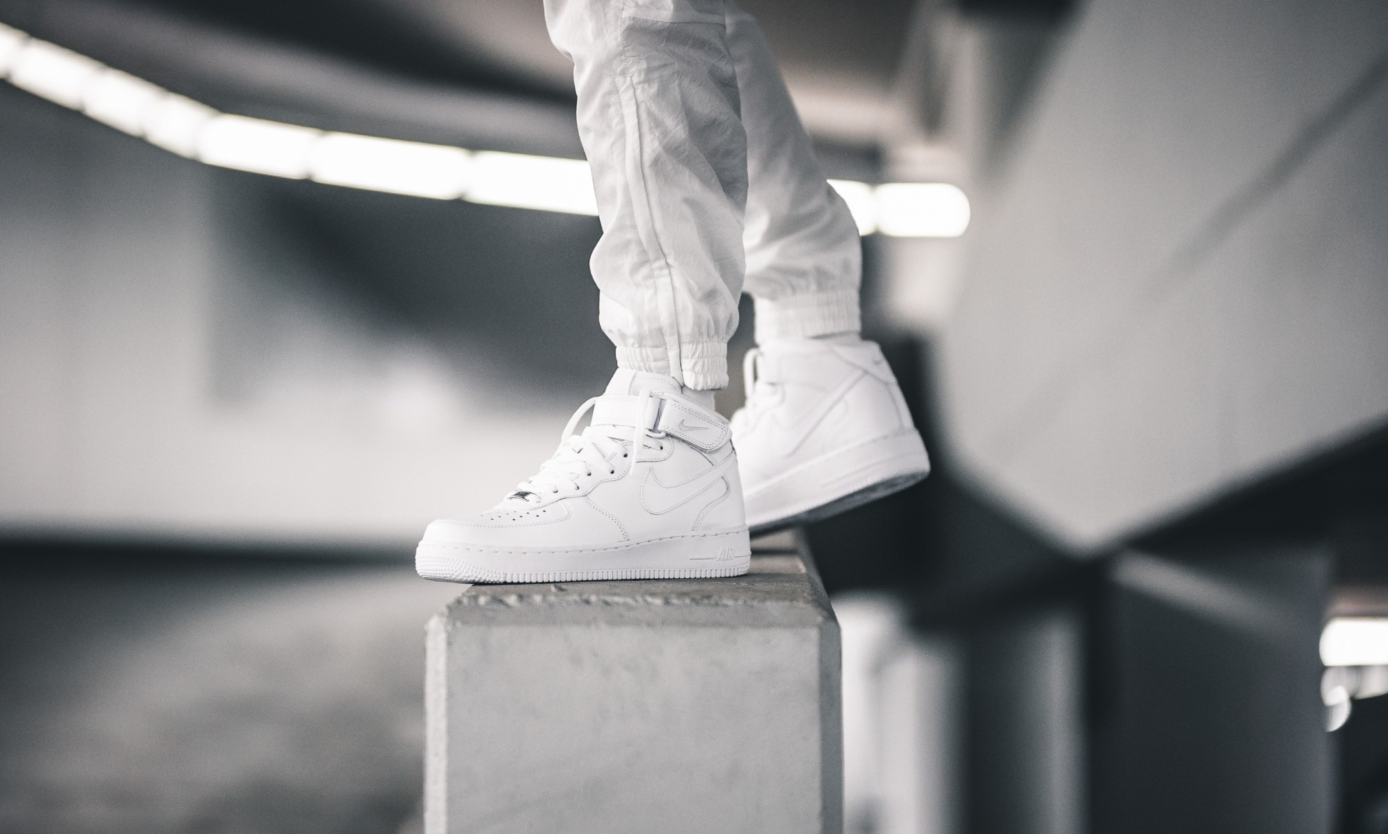 Nike Air Force 1 white white uptowns