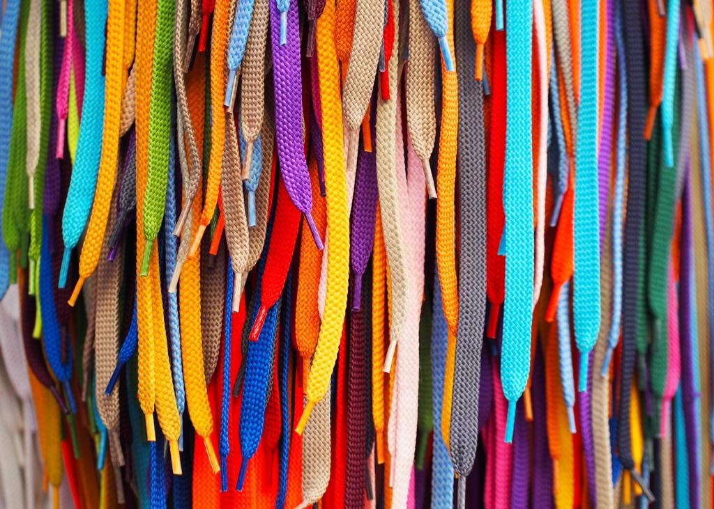 5x Sneakers in de kleuren van de regenboog