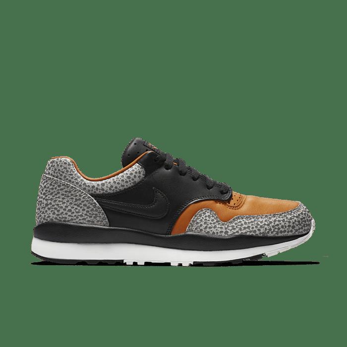 promoción luces ácido  Nike Air Safari 'Black & Monarch' Black/Monarch/Cobblestone/Black  AO3295-001 | Zwart