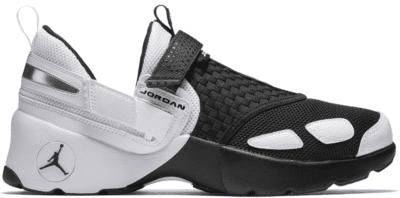 Jordan Trunner LX Black White 897992-010