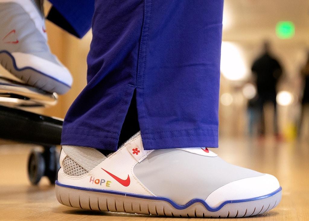 Ook Nike draagt bij: 30.000 paar Air Zoom Pulse gedoneerd