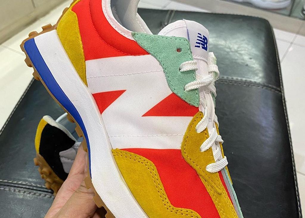 New Balance 327 in één gekke kleurencombinatie