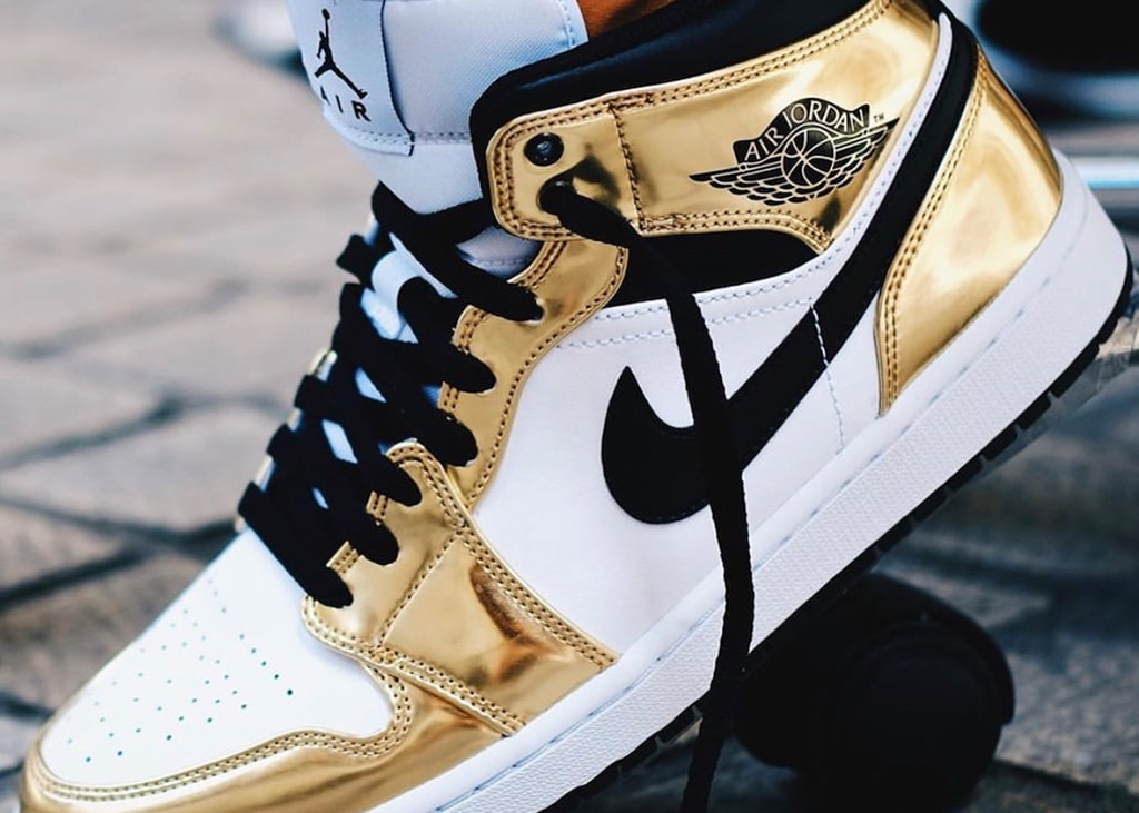 De morgenstond heeft de nieuwe Air Jordan 1 Mid goud in de mond