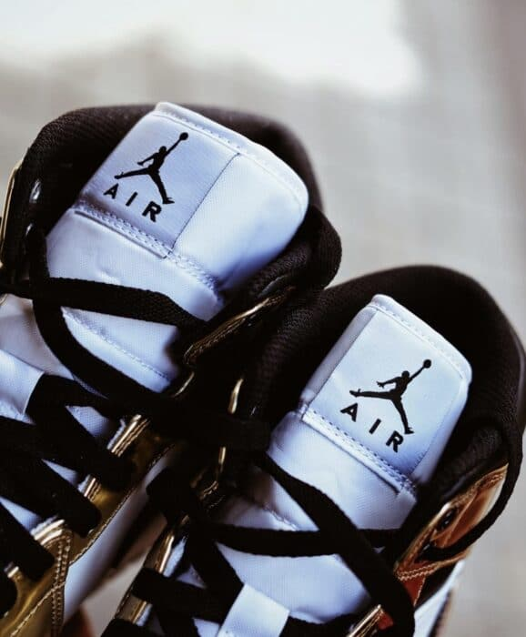 nike Jordan 1 air gold mid