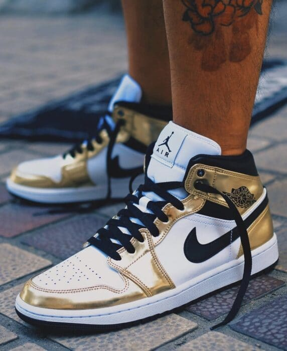 Air Jordan 1 gold mid