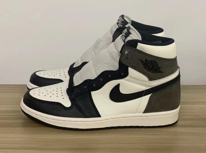 dark mocha Air Jordan 1