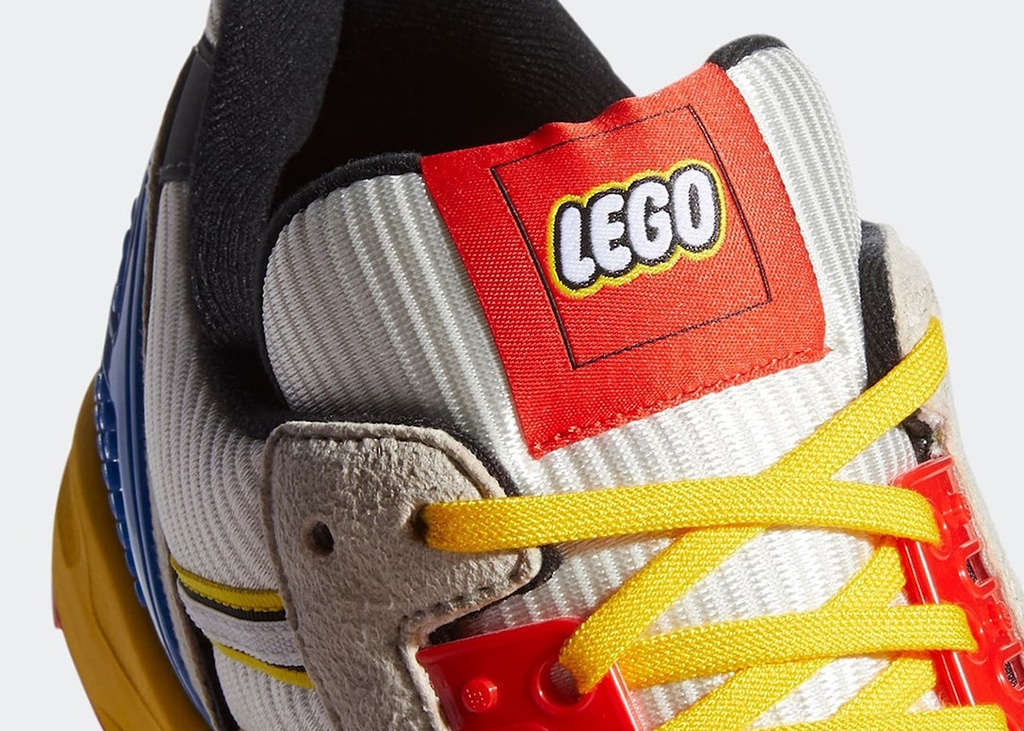 Blocks and bricks met deze LEGO adidas ZX8000 kicks