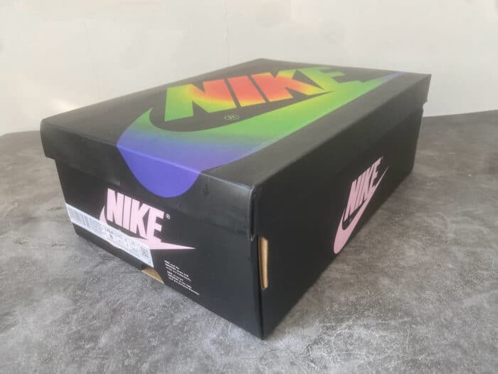 Air Jordan 1 balvin box