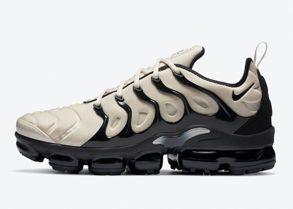 Nieuwe colorway van de Nike Air VaporMax Plus: Light Bone & Black