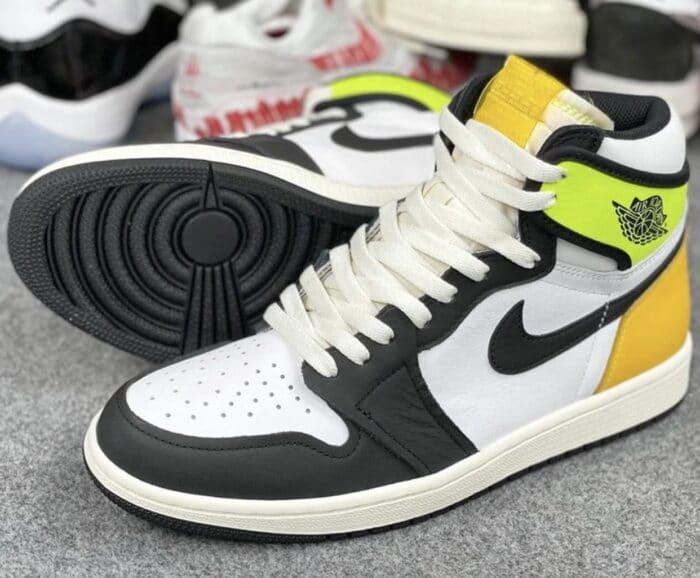1 Air Jordan volt gold