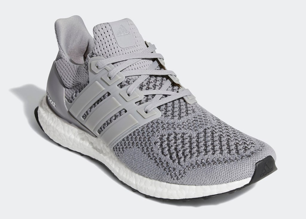 Back to the classics met de grijze Adidas Ultra Boost 1.0