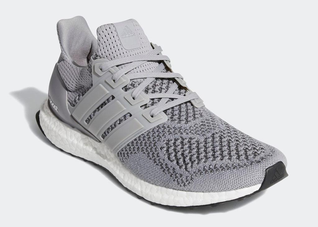 Back to the classics met de grijze Adidas Ultra Boost 1.0