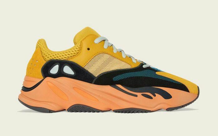 Kanye West sun Adidas 700 boost