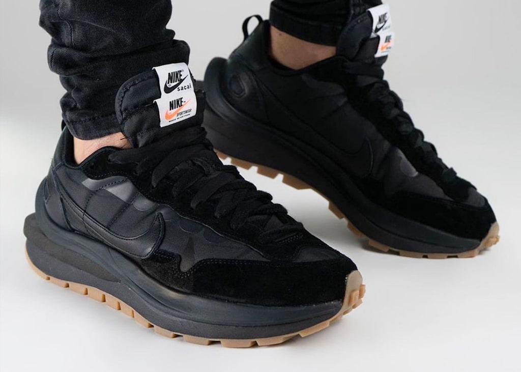 Beeldmateriaal opgedoken van de 'Off-Noir' colorway van de Nike sacai VaporWaffle