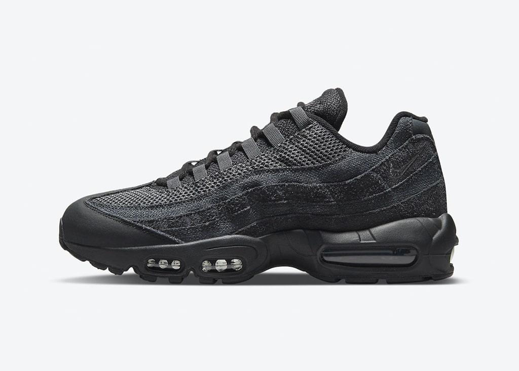 Ergens in de aankomende weken komen de zwarte Nike Air Max 95 uit