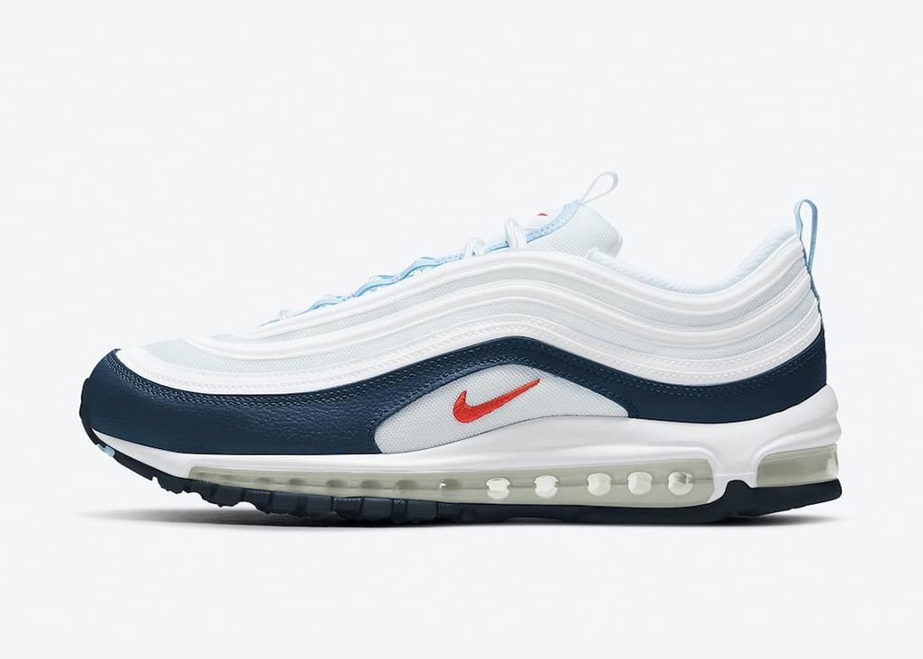 Binnenkort komt er een wit met donkerblauwe Nike Air Max 97 uit