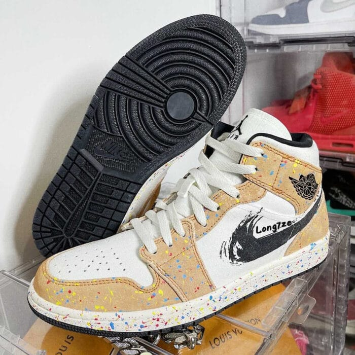 Air Jordan 1 mid brushstroke