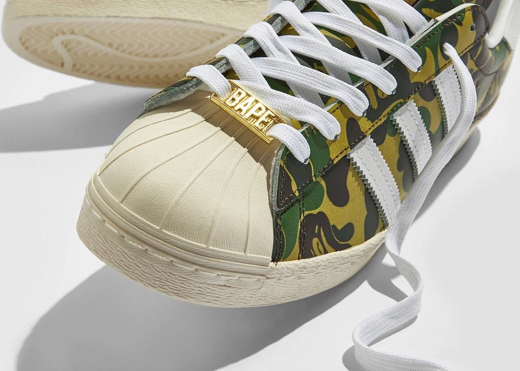 Op 7 mei verschijnt de nieuwe samenwerking tussen adidas en BAPE