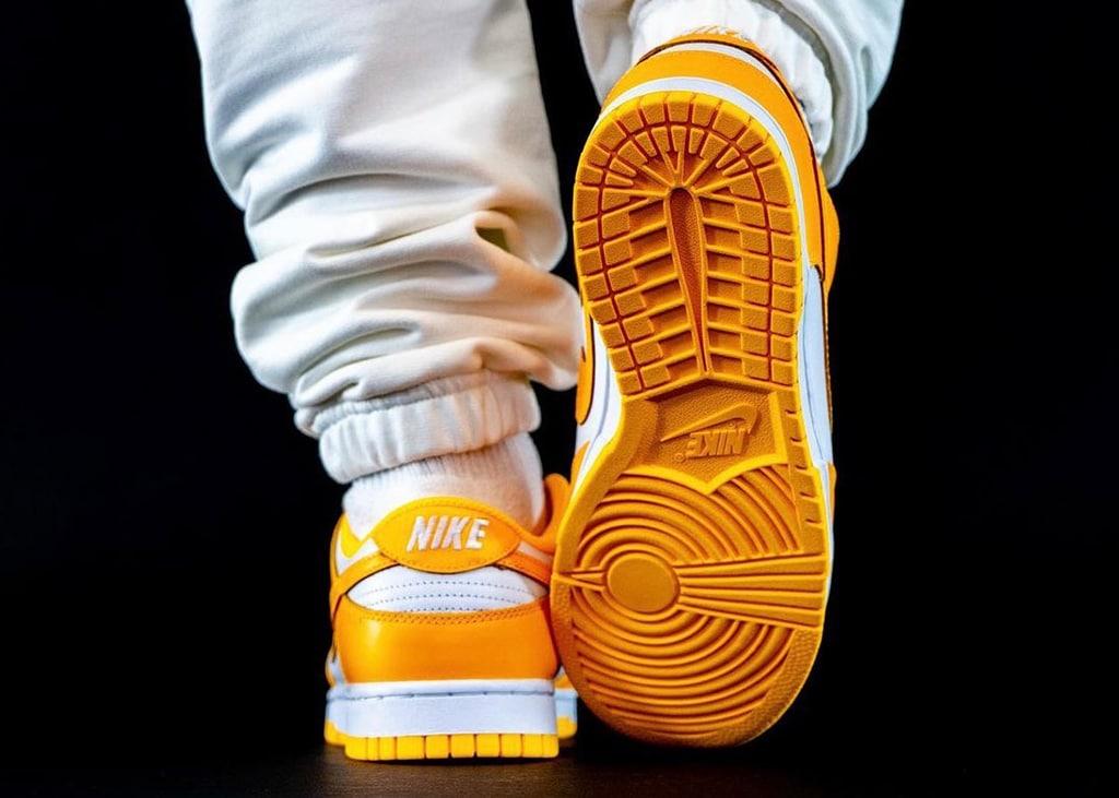 Check nu de nieuwste on-feet foto's van de Nike Dunk Low 'Laser Orange'