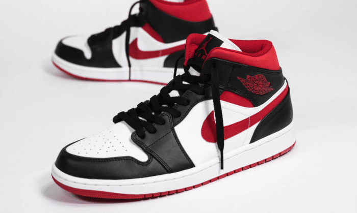 gym red Nike Air Jordan 1