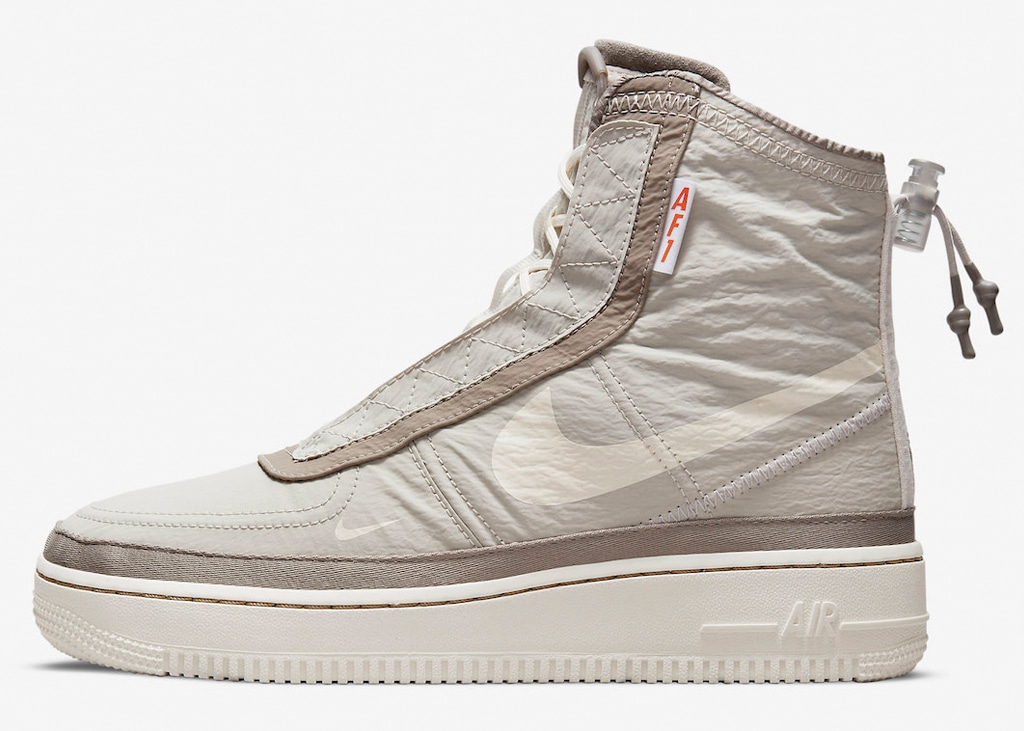 Niks geen winterbanden, let's roll with the Nike Air Force 1 Shell