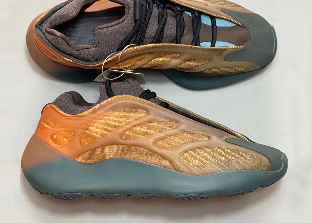 """De eerste beelden zijn verschenen van de adidas Yeezy 700 V3 """"Copper Fade"""""""